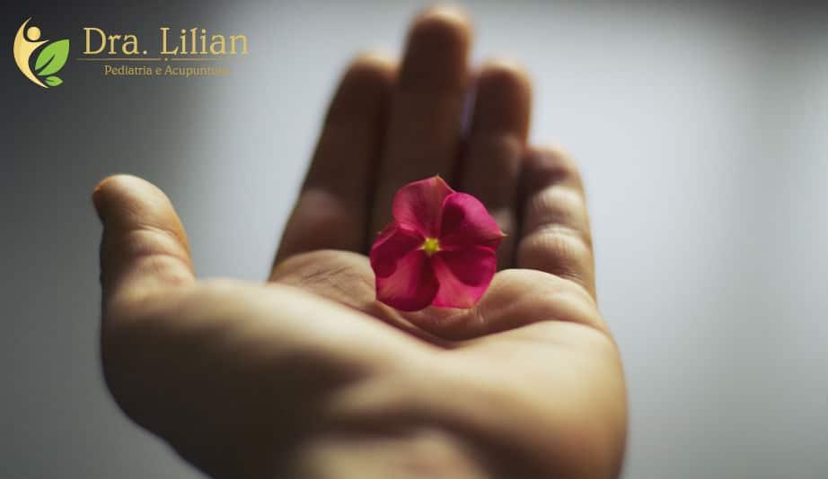 O que diz a sua mão? - Dra Lilian - Pediatria e Acupuntura