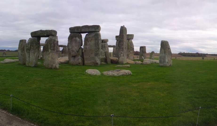 mente calma em Stonehenge